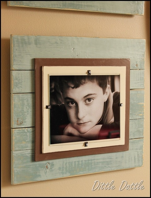 wooden pallet picture frame awesome pallet picture frame ideas