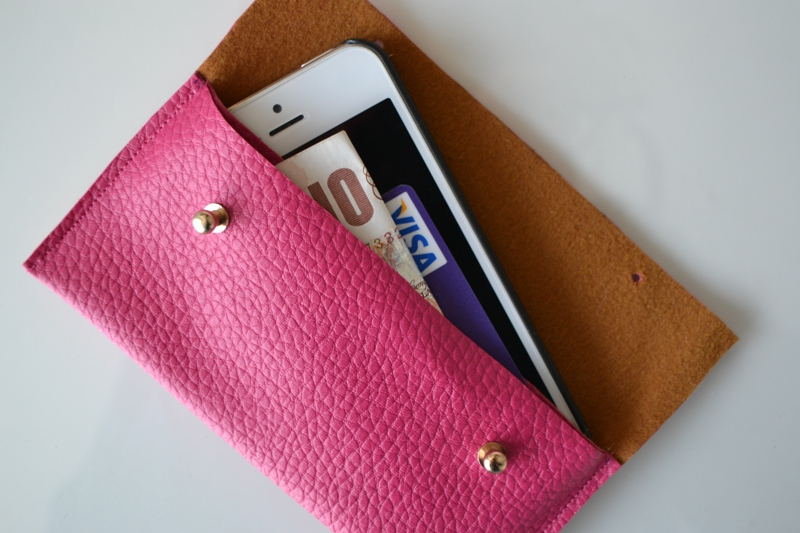 14 diy phone cases a little craft in your day for How to make a homemade phone case