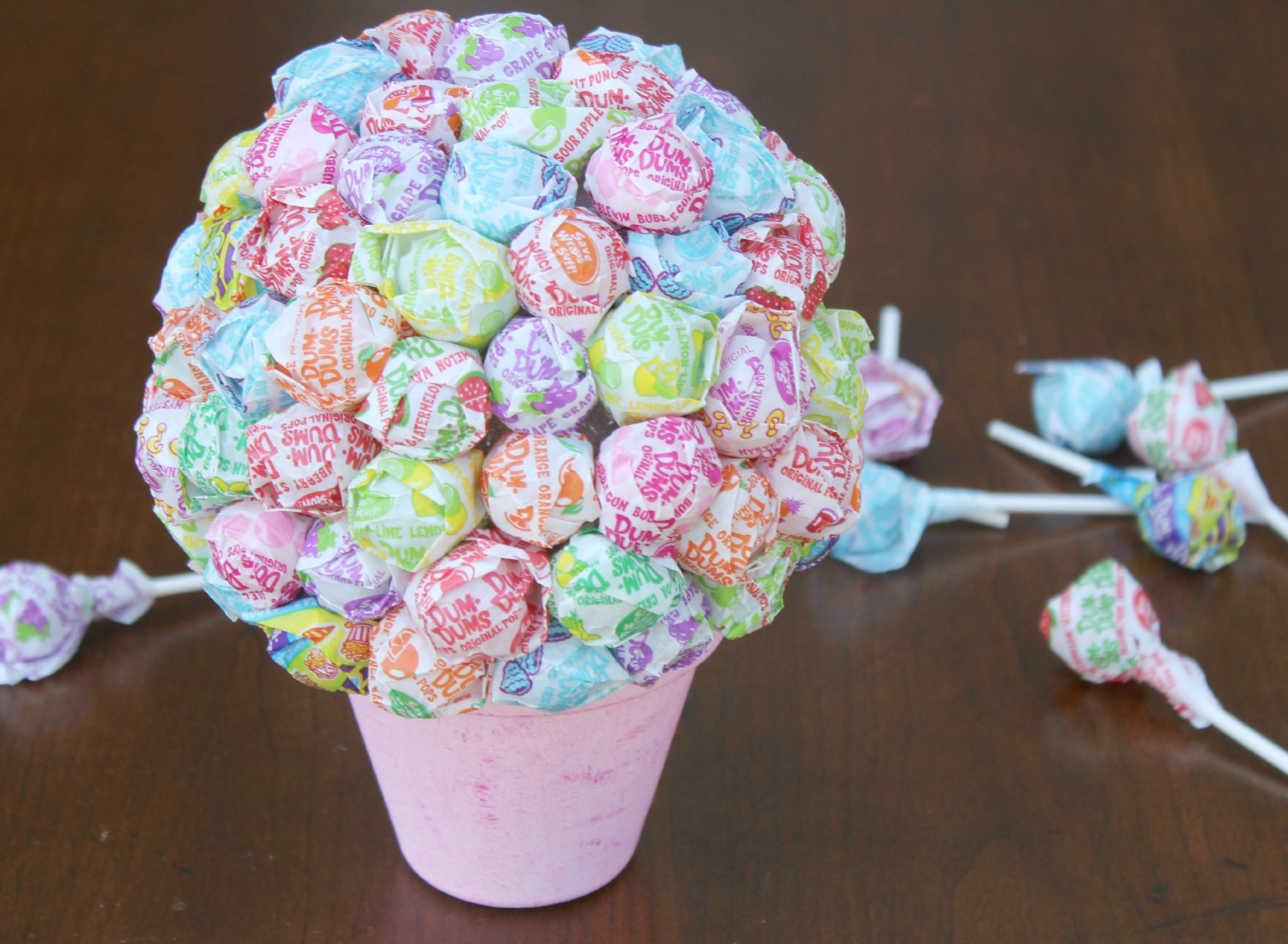 DIY Lollipop Bouquet