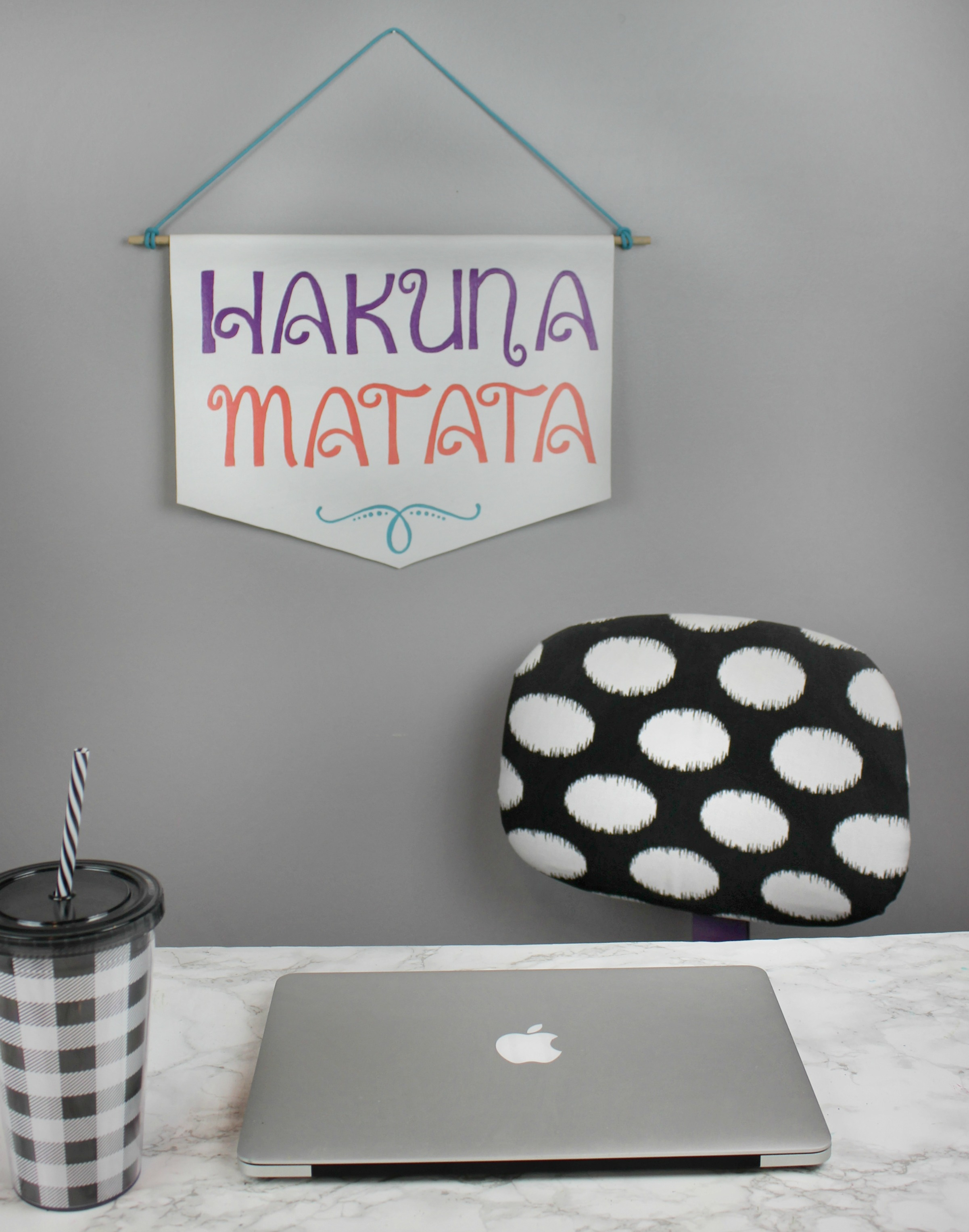 diy stenciled banner wall decor