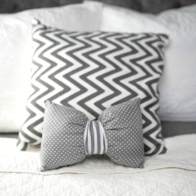How to Sew a DIY Bow Pillow thumbnail