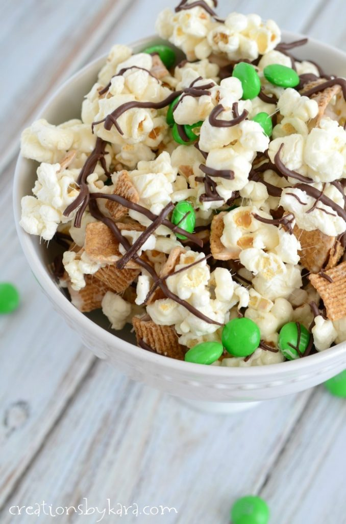 St.-Patricks-Day-Smores-Snack-Mix-018-1
