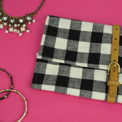 No-Sew Clutch from a Placemat thumbnail