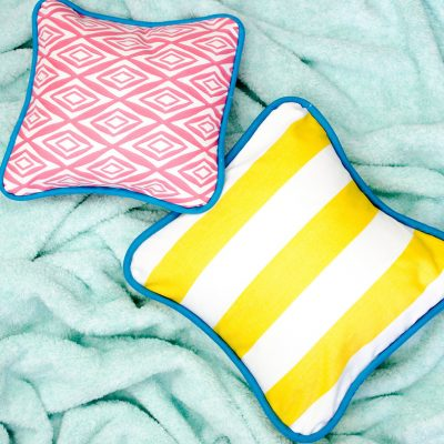 How to Sew a Pillow Cover with Piping thumbnail