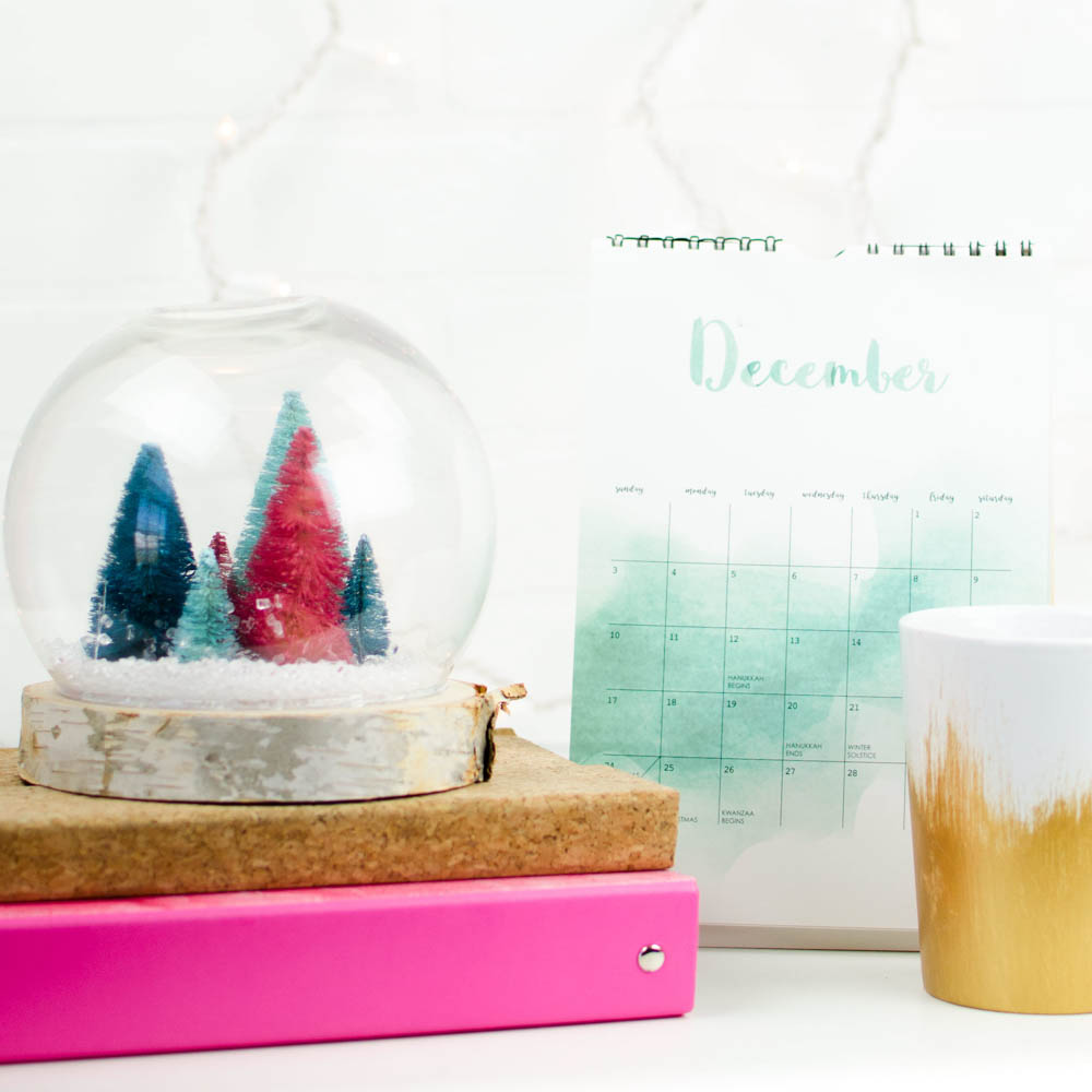 DIY snow globe, non-traditional christmas, easy diy snow globe, fake snow globe, teen craft, christmas craft for teens