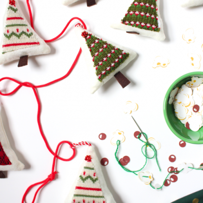 23 Easy Cricut Christmas Crafts thumbnail