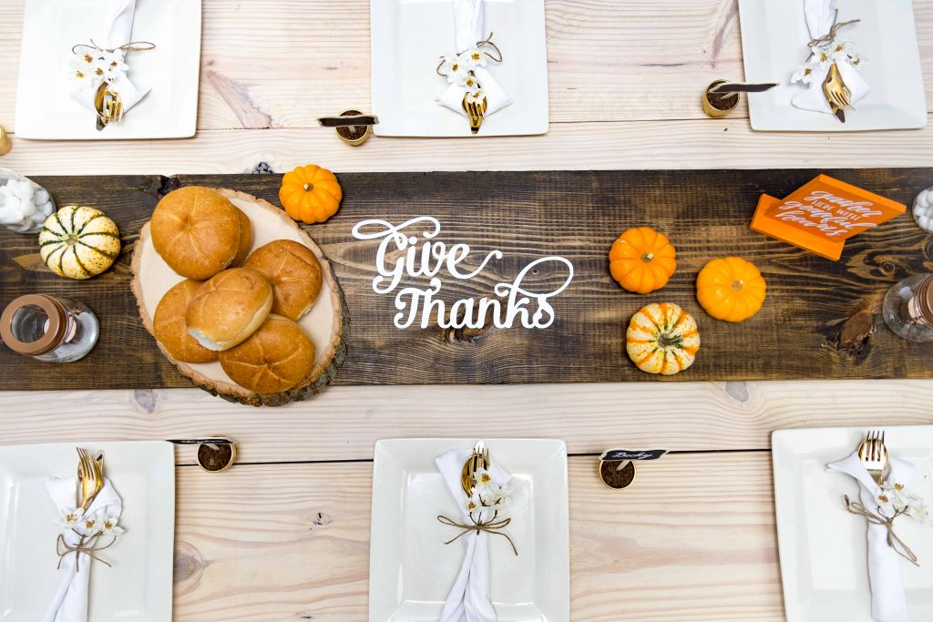 DIY Thanksgiving Table Spread