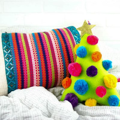 DIY Christmas Tree Pillow | DIY Christmas Decorations thumbnail