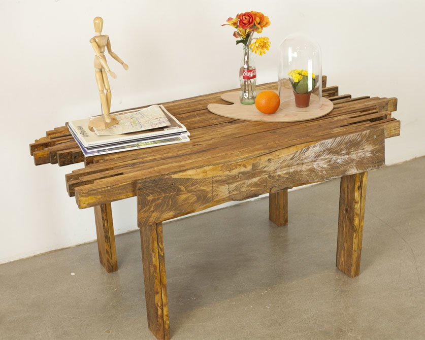 Make A Wood Pallet Coffee Table