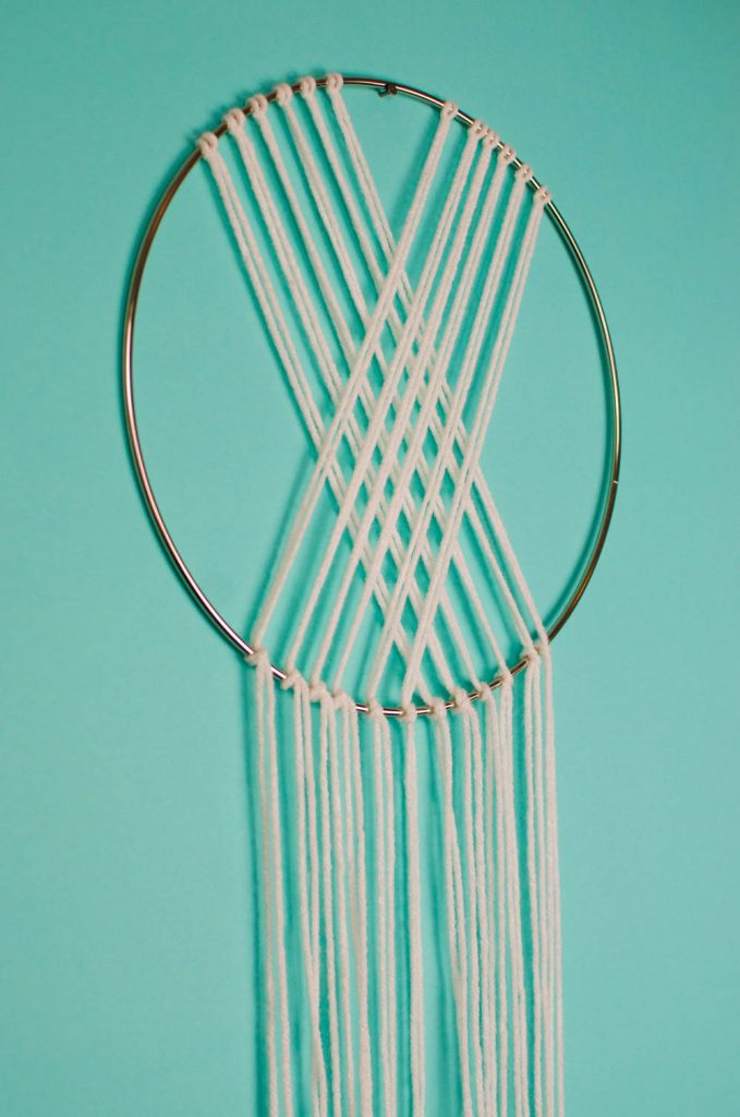 DIY Wall Hanging, DIY Yarn Wall Hanging, DIY yarn art, DIY yarn wall weaving, DIY wall weaving