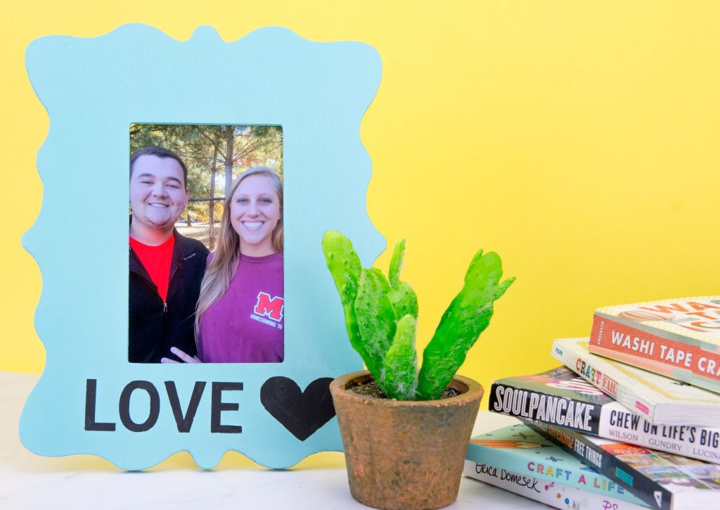 DIY Painted Photo Frame