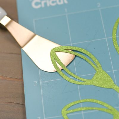 How To Clean And Re-Stick Your Cricut Cutting Mats thumbnail