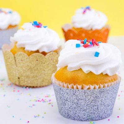 Easy DIY Glitter Cupcake Wrappers thumbnail