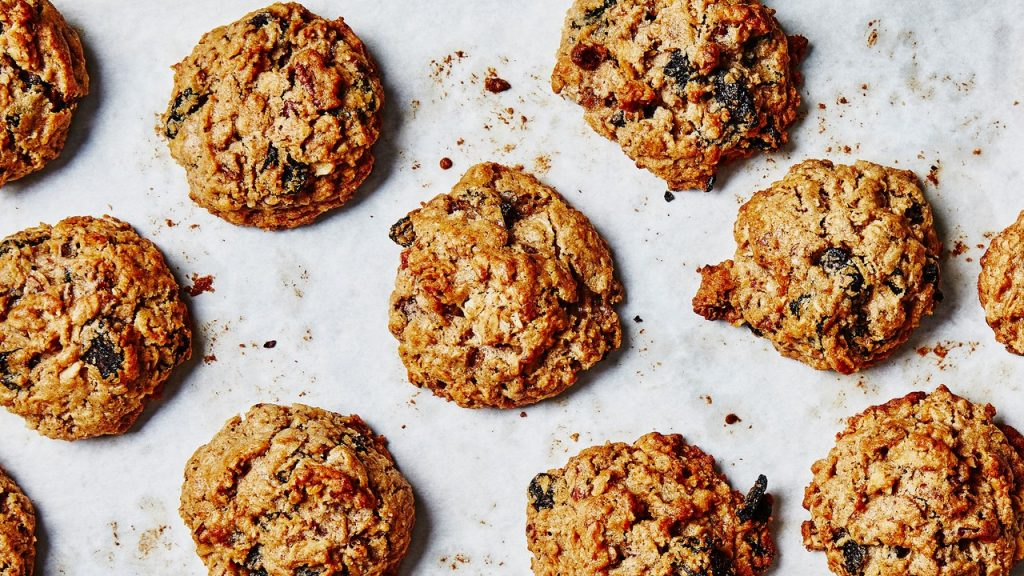 Best Oatmeal-Raisin Cookies