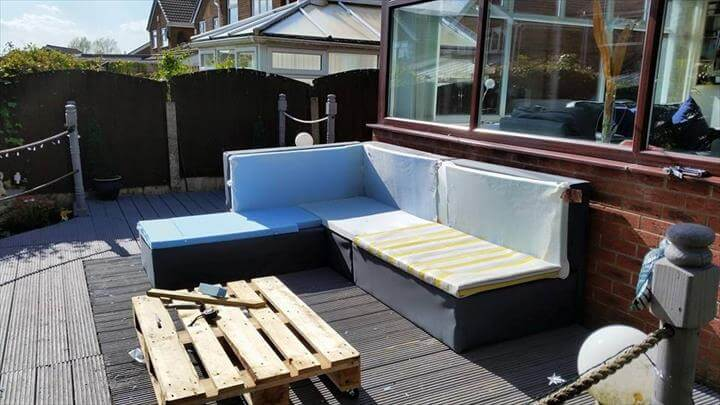 DIY Pallet Upholstered Sectional Sofa