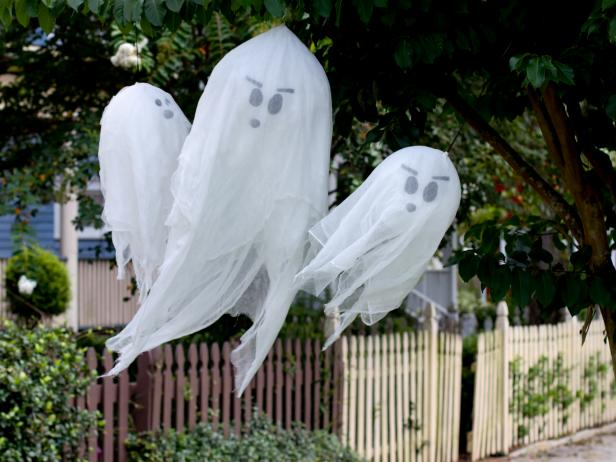Hanging Halloween Ghosts