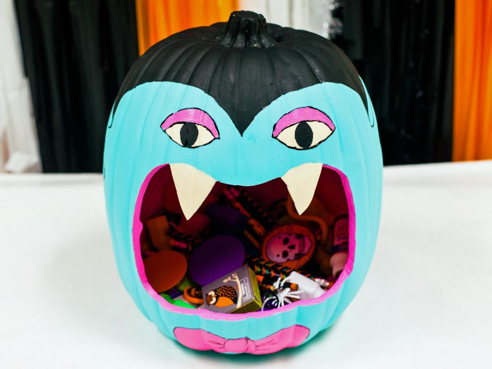 Decorate a Teal Pumpkin For an Allergy-Free Halloween