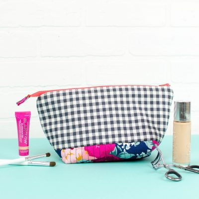 How to Make a Quilted Makeup Bag thumbnail