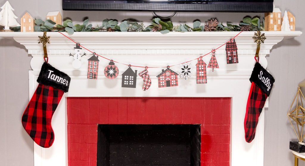 DIY Holiday Garland With Your Cricut